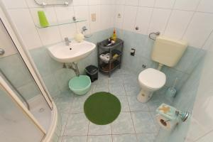 Apartments Antoneta, Апартаменты  Макарска - big - 18