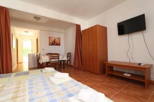 Apartments Antoneta, Апартаменты  Макарска - big - 15