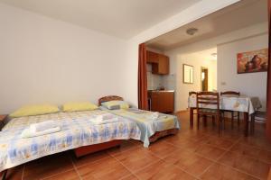 Apartments Antoneta, Апартаменты  Макарска - big - 14