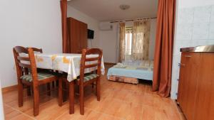 Apartments Antoneta, Апартаменты  Макарска - big - 10