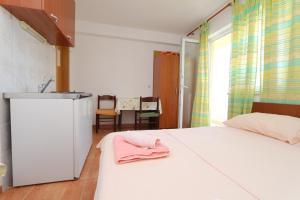 Apartments Antoneta, Апартаменты  Макарска - big - 64