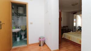 Apartments Antoneta, Апартаменты  Макарска - big - 59