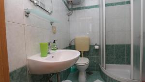 Apartments Antoneta, Апартаменты  Макарска - big - 58