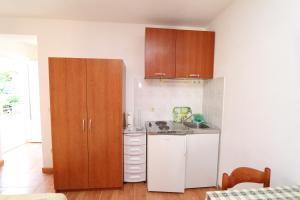 Apartments Antoneta, Апартаменты  Макарска - big - 53