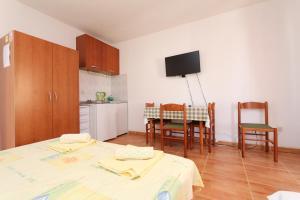Apartments Antoneta, Апартаменты  Макарска - big - 51