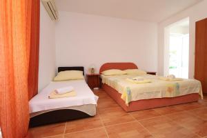 Apartments Antoneta, Апартаменты  Макарска - big - 50
