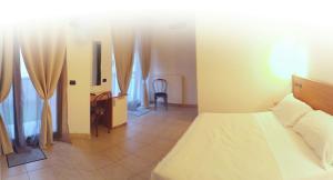 Hotel Azzurra, Hotels  Spinone Al Lago - big - 7