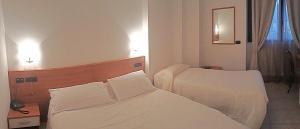 Hotel Azzurra, Hotels  Spinone Al Lago - big - 2