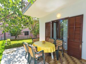 Apartment Korelic Green Garden, Appartamenti  Porec - big - 24