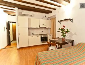 Monolocale Genova Centro Storico - AbcAlberghi.com