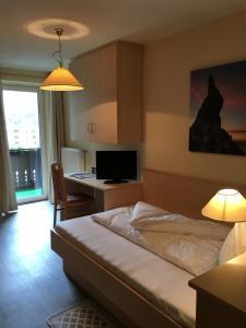 Hotel Cornelia - AbcAlberghi.com