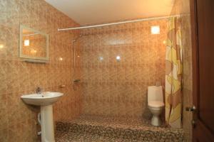 U Rafa Guest House, Guest houses  Pizunda - big - 16
