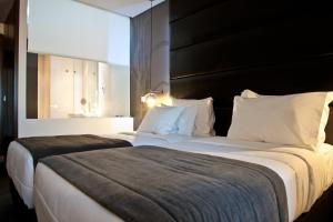 Deluxe Room with River or Castle View