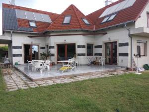 Virágvölgyi Piheno Villa