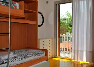 Residence Selenis, Apartments  Caorle - big - 20