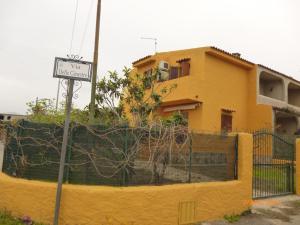 Casa Gialla Porto Ottiolu - AbcAlberghi.com