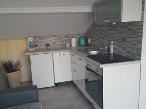 Apartmani Brzica, Apartmány  Novi Vinodolski - big - 2