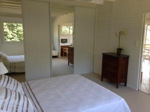 Sas Parc Lacoste, Holiday homes  Saint-Marcet - big - 1
