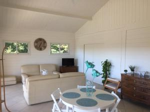 Sas Parc Lacoste, Holiday homes  Saint-Marcet - big - 2
