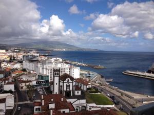 Apartamentos Solmar 15º, Apartmanok  Ponta Delgada - big - 49