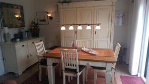 Ferienobjekt-Morsum-Wohnung-5-Comfort-App, Apartmanok  Morsum - big - 11