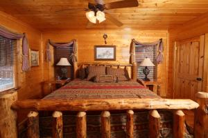 Howling Wolf - One Bedroom, Case vacanze  Sevierville - big - 13