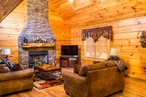 Owlpine Lodge - Three Bedroom, Nyaralók  Sevierville - big - 16