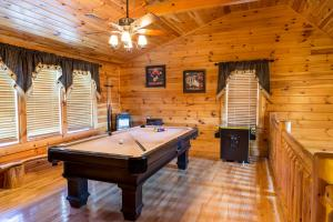Owlpine Lodge - Three Bedroom, Nyaralók  Sevierville - big - 19