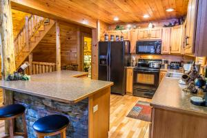 Owlpine Lodge - Three Bedroom, Nyaralók  Sevierville - big - 21