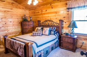Owlpine Lodge - Three Bedroom, Nyaralók  Sevierville - big - 31
