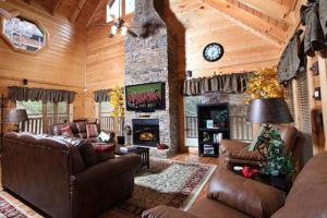 Blessed Nest - Four Bedroom, Holiday homes  Sevierville - big - 2