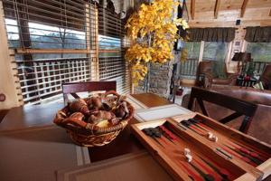 Blessed Nest - Four Bedroom, Prázdninové domy  Sevierville - big - 18