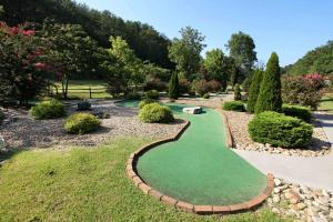 Blessed Nest - Four Bedroom, Holiday homes  Sevierville - big - 39