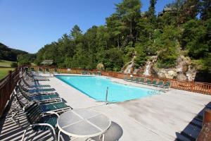 Blessed Nest - Four Bedroom, Holiday homes  Sevierville - big - 40