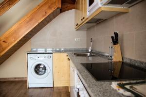 Apartamentos Yoy Mont Romies, Ferienwohnungen  Salardú - big - 9