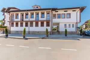 Hotel Chernomorets, Szállodák  Csernomorec - big - 30