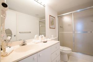 Apartamento en condominio Ocean Reserve de 2 dormitorios con vistas a la piscina