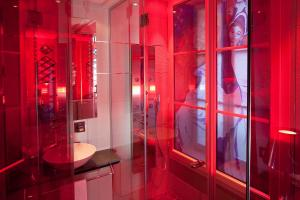 Double Room Moulin Rouge with Shower with Free Access to Steam Room and Sauna