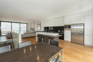 Lakeshore Springs Apartments, Apartments  Wanaka - big - 35