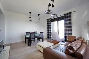 Budva Bay Breeze Apartments, Ferienwohnungen  Budva - big - 22