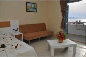 Victoria Suite Hotel & Spa, Отели  Тургутреис - big - 84