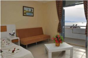 Victoria Suite Hotel & Spa, Отели  Тургутреис - big - 86