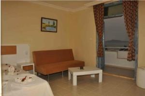 Victoria Suite Hotel & Spa, Отели  Тургутреис - big - 92