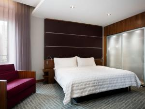 Deluxe Double or Twin Room with Ramblas View
