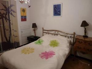 House La caillere basse, Prázdninové domy  Six-Fours-les-Plages - big - 13