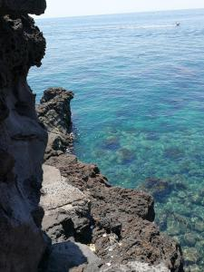 Il Giardino Dei Limoni, Bed and breakfasts  Aci Castello - big - 52