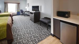 Best Western Plus Lonestar Inn & Suites, Hotels  Colorado City - big - 8