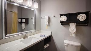 Best Western Plus Lonestar Inn & Suites, Hotels  Colorado City - big - 11