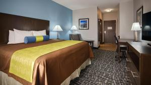 Best Western Plus Lonestar Inn & Suites, Hotels  Colorado City - big - 12