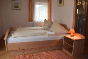Landhaus Alpenrose - Feriendomizile Pichler, Penziony  Heiligenblut - big - 22